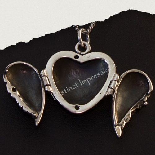 angel wing locket